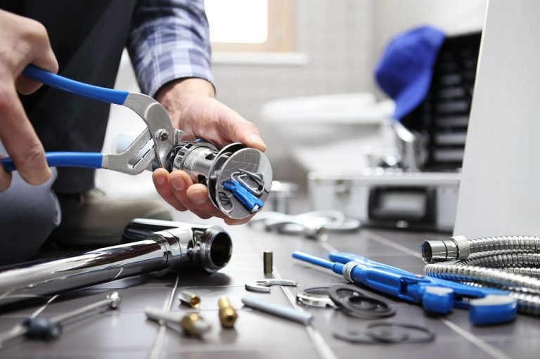 What Are The Most Essential Clog Removal Plumbing Tools?