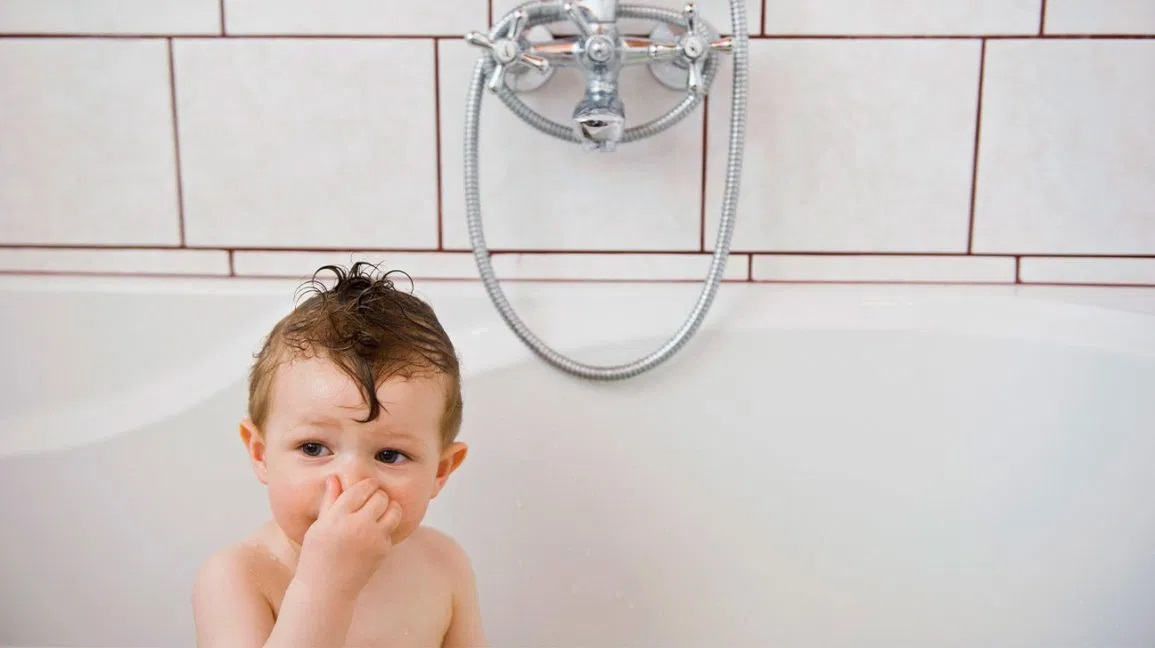 Reasons behind the smell of your shower drain