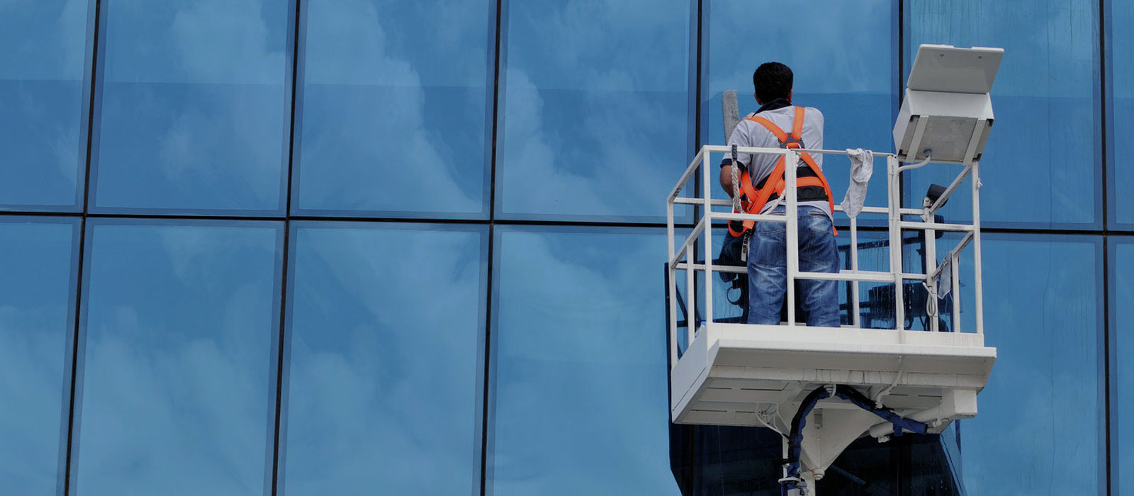 How Does Professional Window Cleaning in Singapore Work?